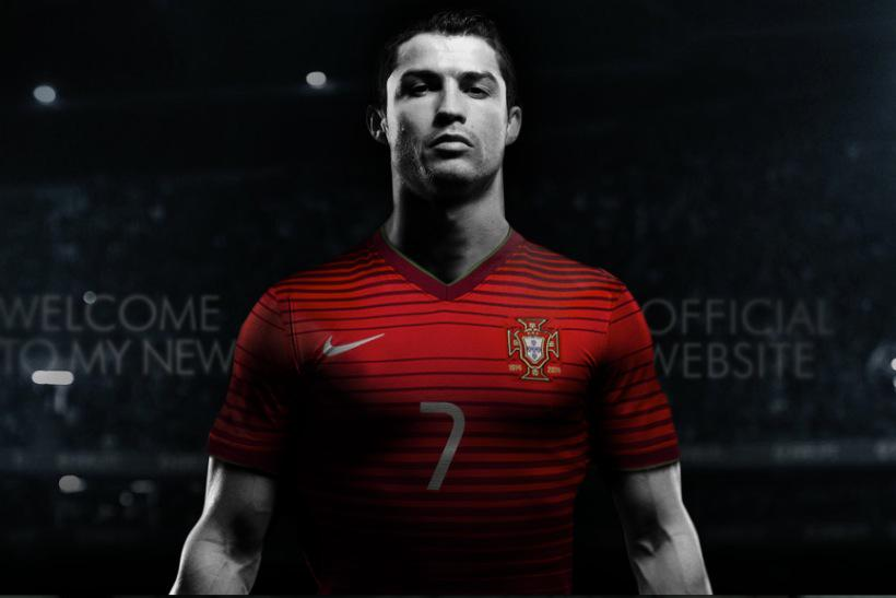 .@MarketingUK's Breakfast Briefing: Xmas at @Selfridges, Apple and Ronaldo on Fifa http://t.co/xj5RHHqC6i http://t.co/Jm5cw4p5z5