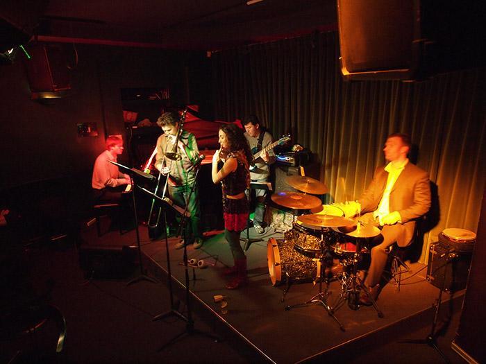 Kết quả hình ảnh cho Brazilian Jazz At Vamos