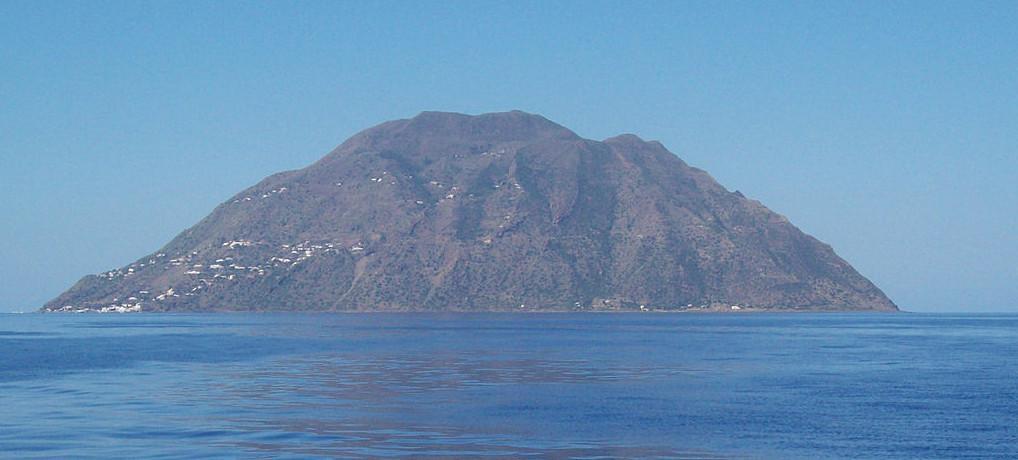 Terremoto in tempo reale vicino all'Isola di Alicudi
