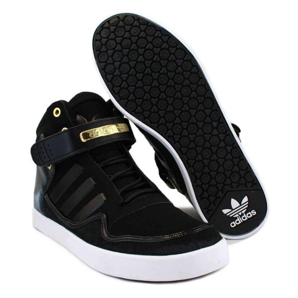 I want the one with the wings. RT @DJMJGH: repping Adidas  october join me for #KHICKXDOWN @adidasGhana  @waxgirl333  http://t.co/Va2BMbTpuS