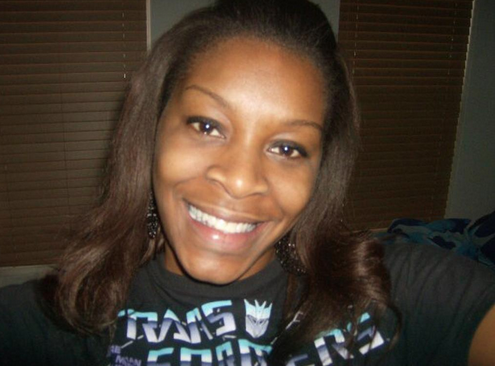 RT @GlobalGrindNews: Sandra Bland's family files a federal lawsuit over jail cell death http://t.co/BGuT7GLgOW http://t.co/rjQ6P3WWwh