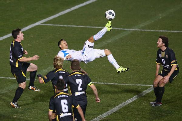 Georgievski attempts a bicycle kick; photo: zimbio.com