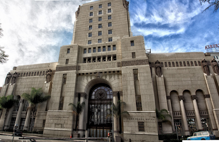 """Serie >> """"American Horror Story: Hotel"""" - Página 8 CLlzgIvW8AAvZrH"""