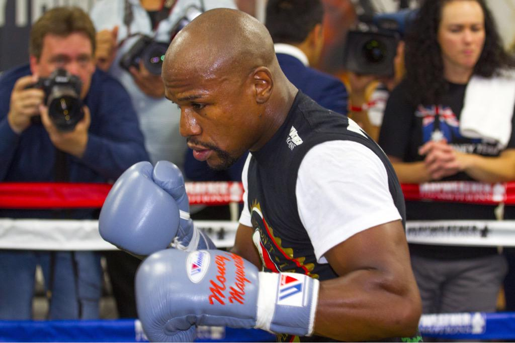 THIS JUST IN: @FloydMayweather takes on @AndreBerto September 12 #LIVEatMGM! http://t.co/RuFjD6R7cm
