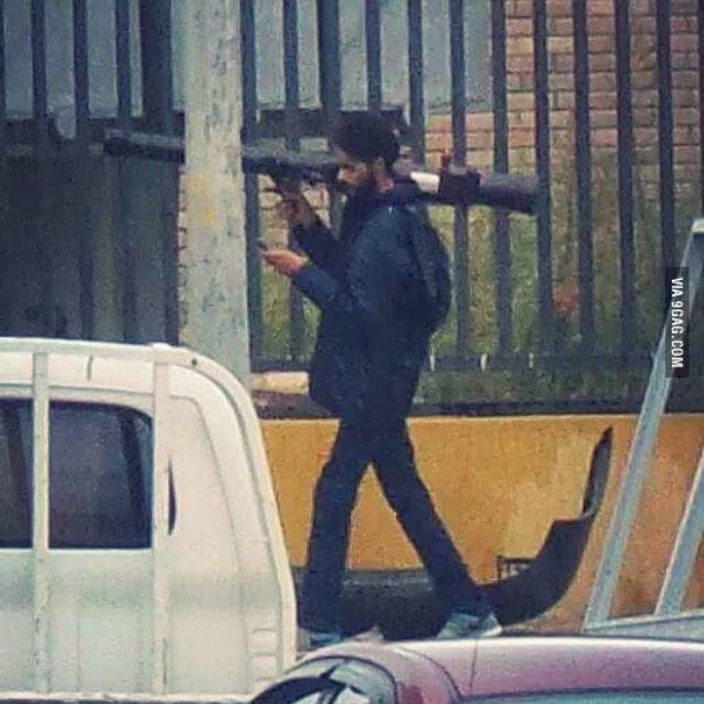 RT @SheaSerrano: BAE: come over -i can't i'm in the middle of fighting this libyan civil war BAE: my parents aren't home - http://t.co/S74Z…