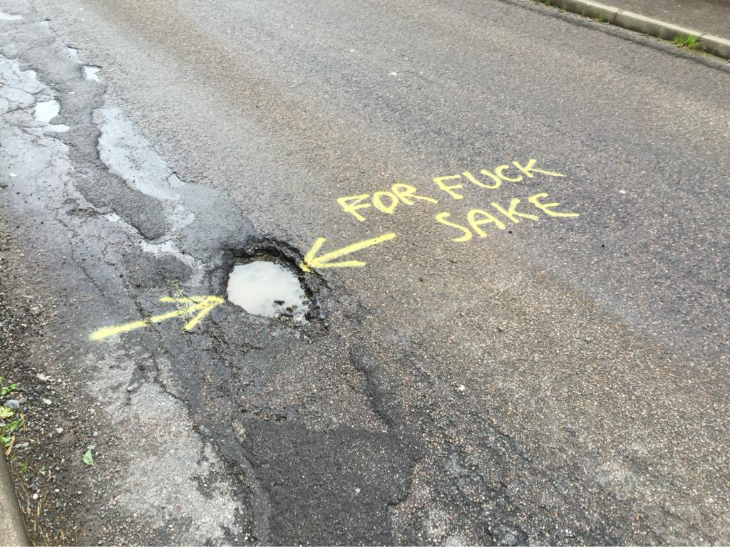 Potholes in Ullapool, could this be the answer to getting them repaired? http://t.co/iu1LTFfQvK (via @danholland01)