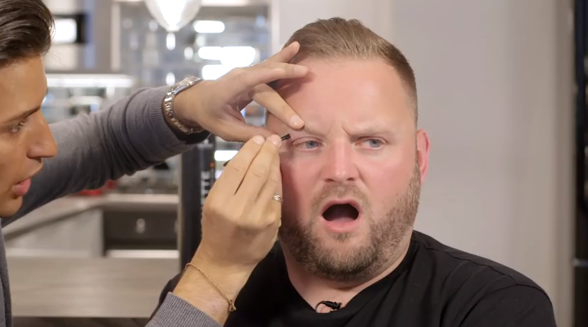 RT @WestKenGirl: See how @arron_crascall reacts to having his eyebrows plucked by @ollielocke - Awesome! https://t.co/P8CfIE0s3u http://t.c…