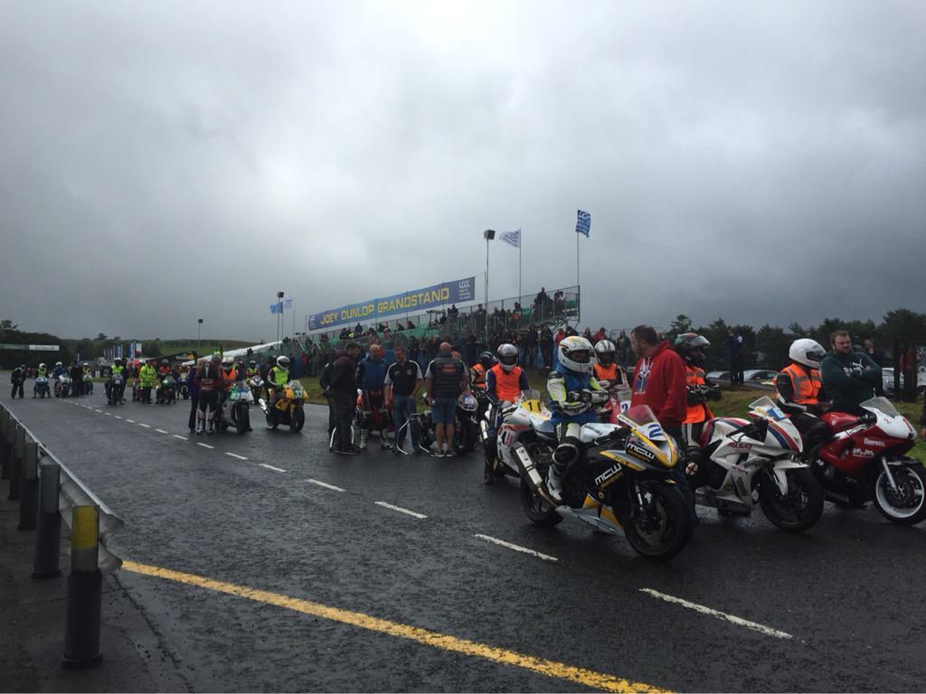 [Road Racing] Ulster GP 2015 CLpIiUUW8AAdTit