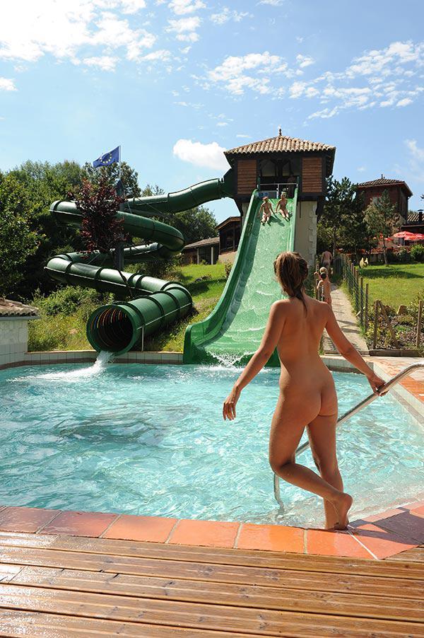 Nudist communities france
