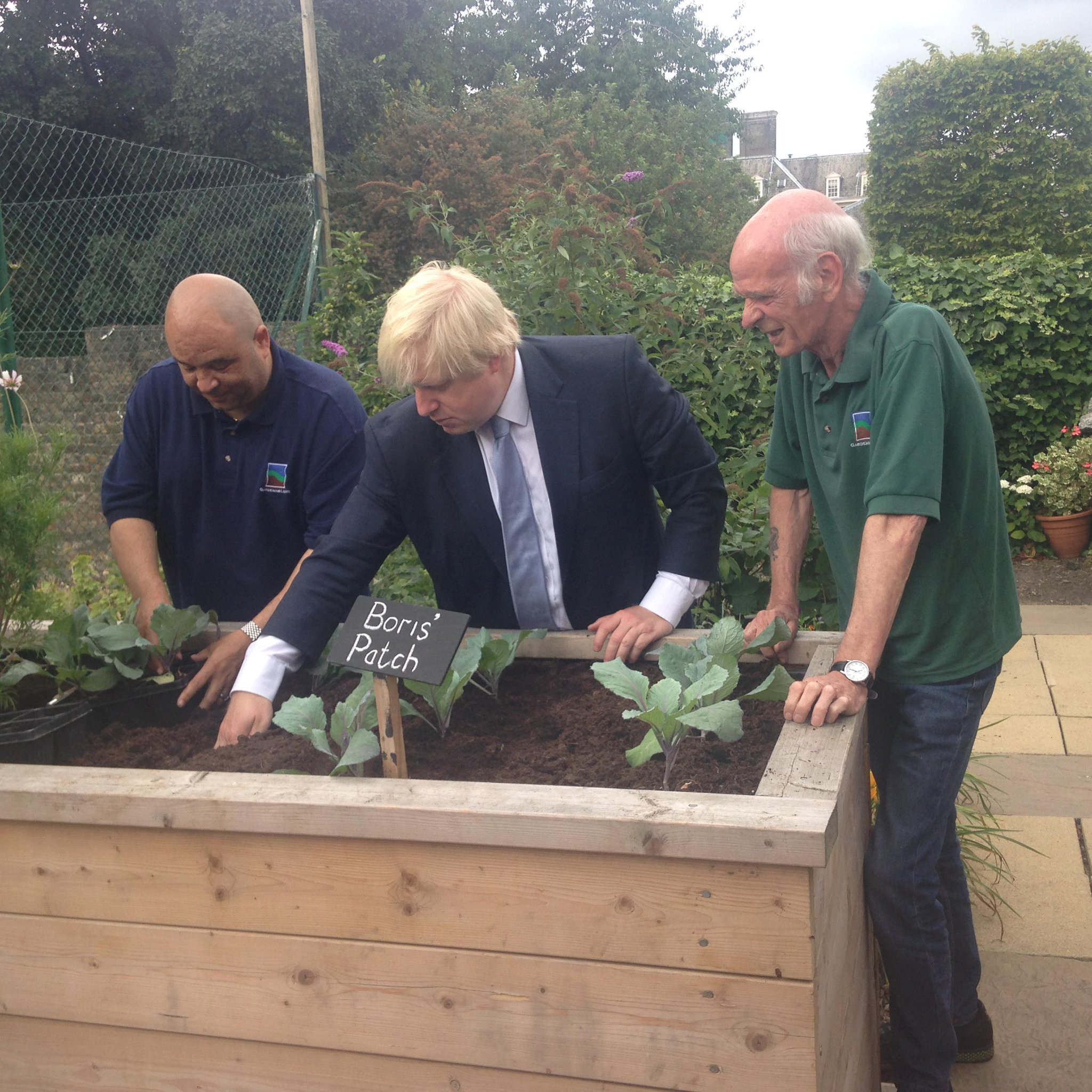 Planted veg and met wonderful veterans whose recoveries are being helped by horticultural therapy @gardening_leave http://t.co/vA0nydzMYZ