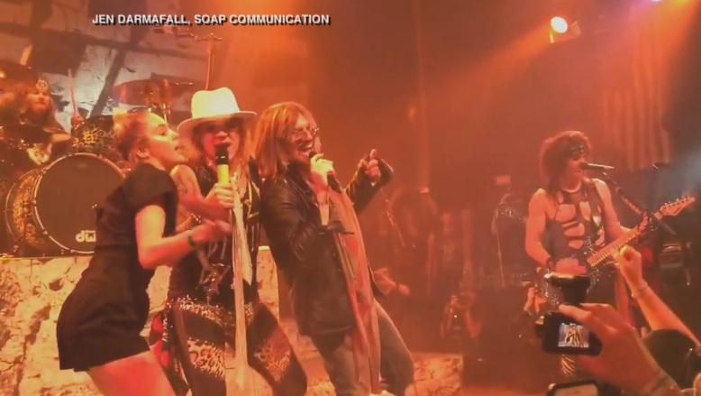 .@MileyCyrus & @billyraycyrus sang @DefLeppard's #PourSomeSugarOnMe: http://t.co/Bf3CASFOQE http://t.co/qh6MfnhYx9