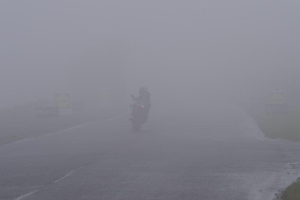 [Road Racing] Ulster GP 2015 CLrN5BsWIAAwQXh