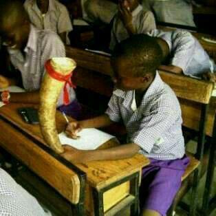 """""""@NoLongerCrazy: #secschoolinnigeria When you repeat a class three times and its no longer funny............. http://t.co/acZZwtb8Tc"""" LOOOOL"""