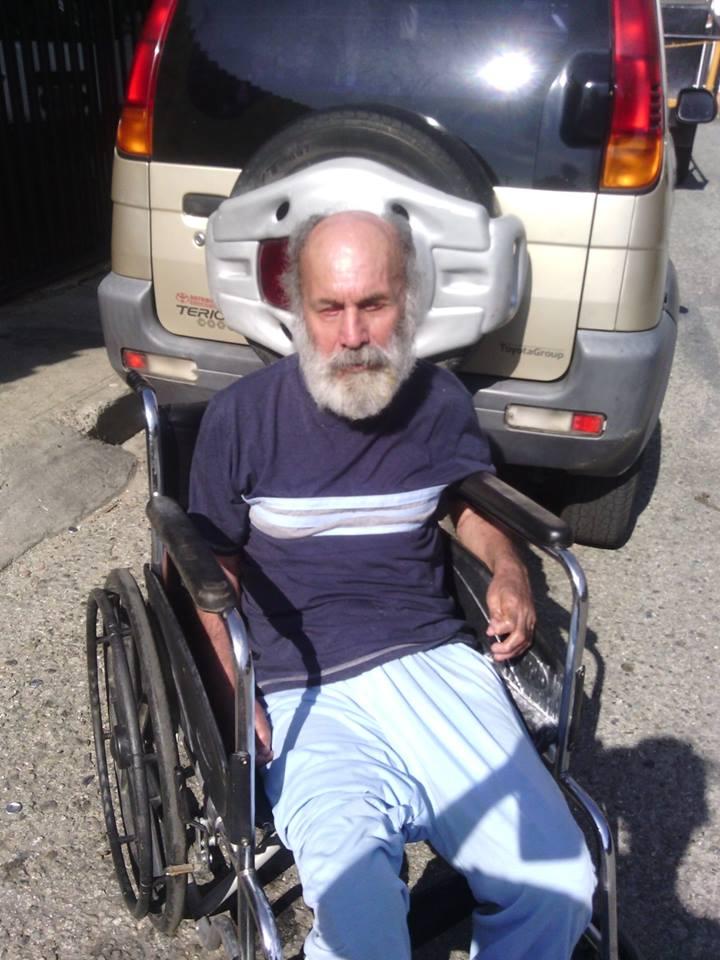 Hombre de 76 años, invidente, protagoniza cierre de avenida en Mérida, protesta el despojo de su derecho a PENSIÓN▼ http://t.co/nVJGUHBWz4