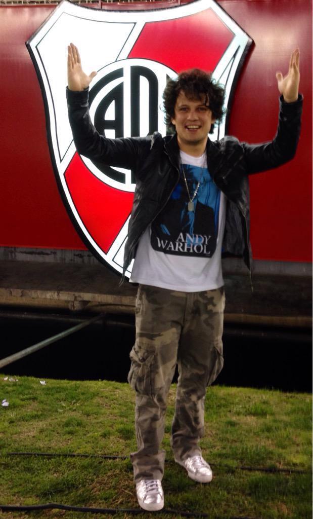 River Campeón de la Libertadores!!!! SOS pasión River!!! Felicitaciones a todo el equipo!!! http://t.co/GNu6uUoPDK