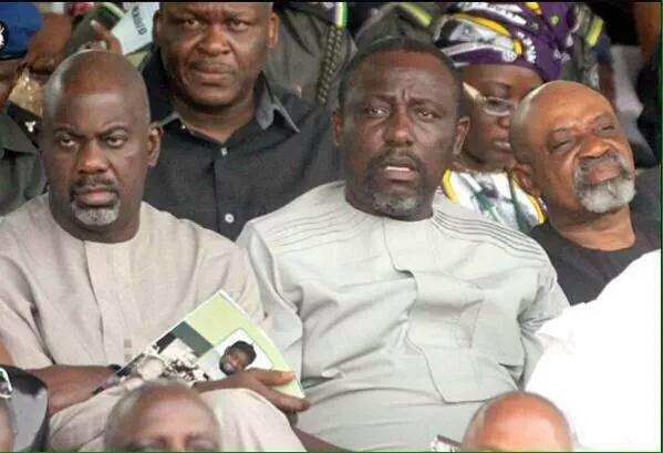 #SecSchoolInNigeria  When your clique's essay is so Shit that your teacher wants to read it in front of the class. http://t.co/m3PvXNbq8c