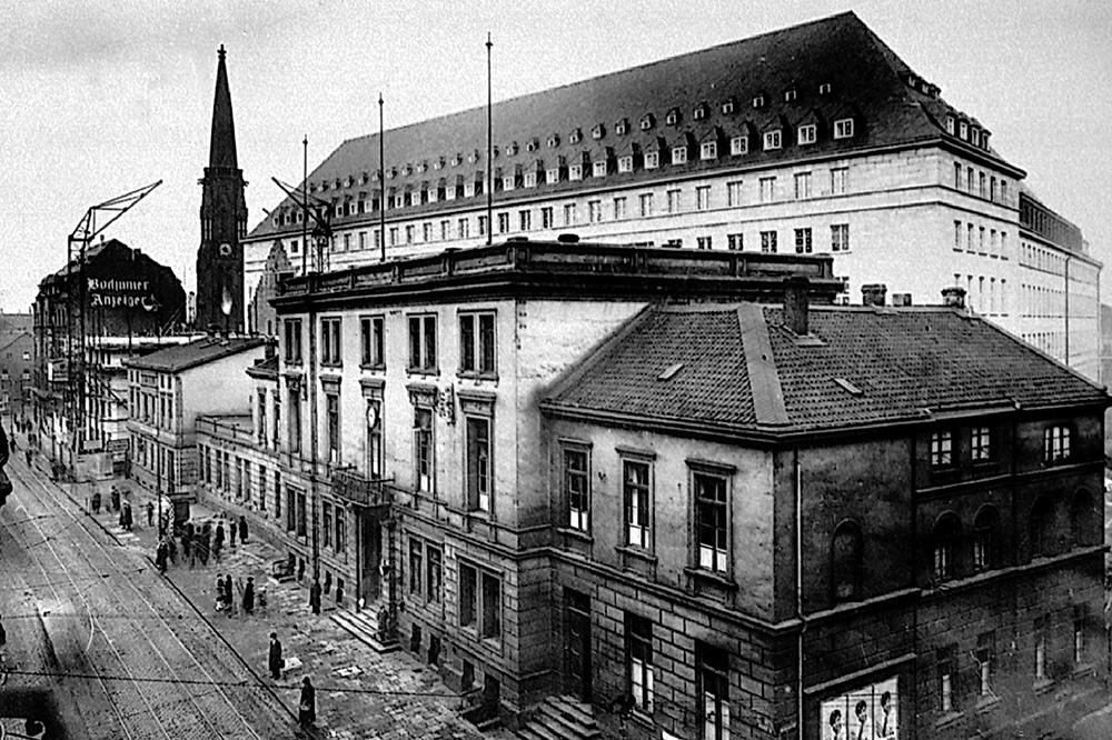 Billedresultat for Bochum Rathaus 1930s