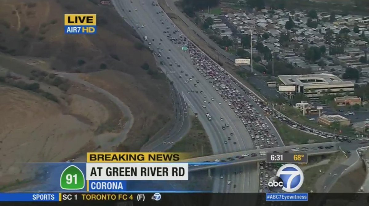 Fwy: CORONA UPDATE: Only 3 right lanes open on WB 91 Fwy at