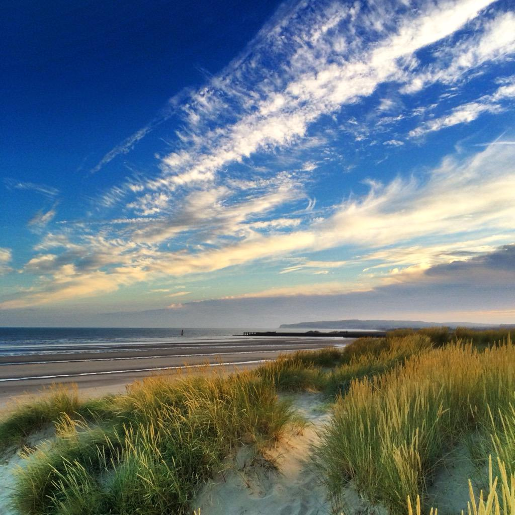 You don't need to go abroad with a beach like this #cambersands @thegallivant