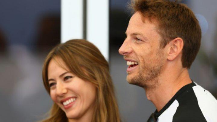 Jenson Button con la moglie Jessica derubati in casa