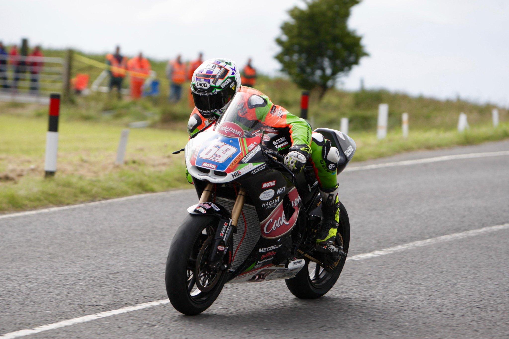 [Road Racing] Ulster GP 2015 CLwOi5mUwAAww3q