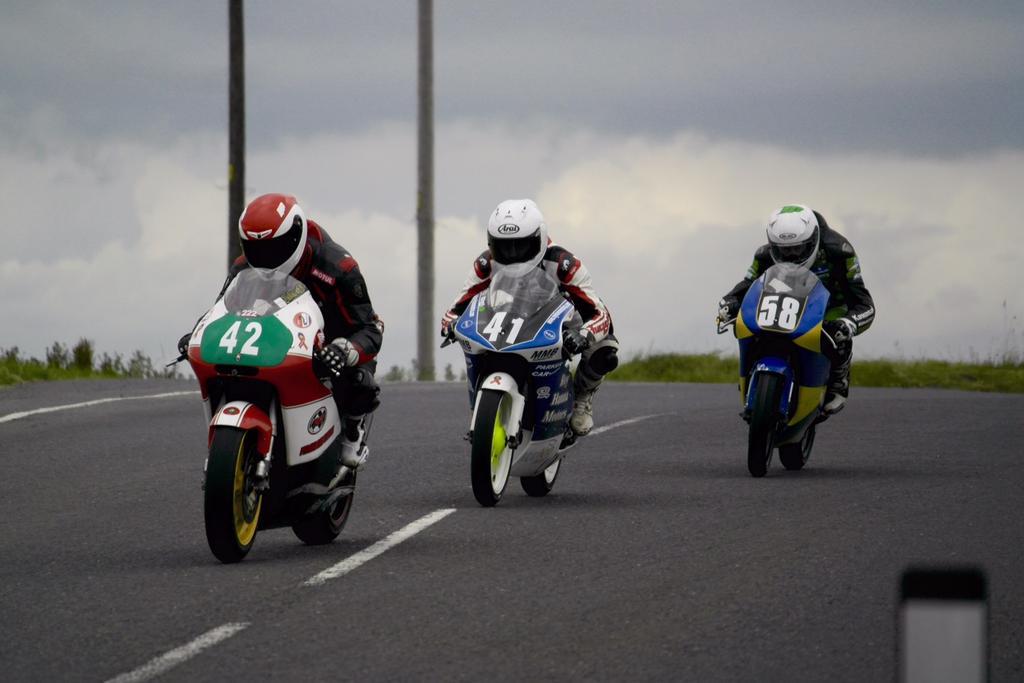 [Road Racing] Ulster GP 2015 CLwaESNWsAAaDwR