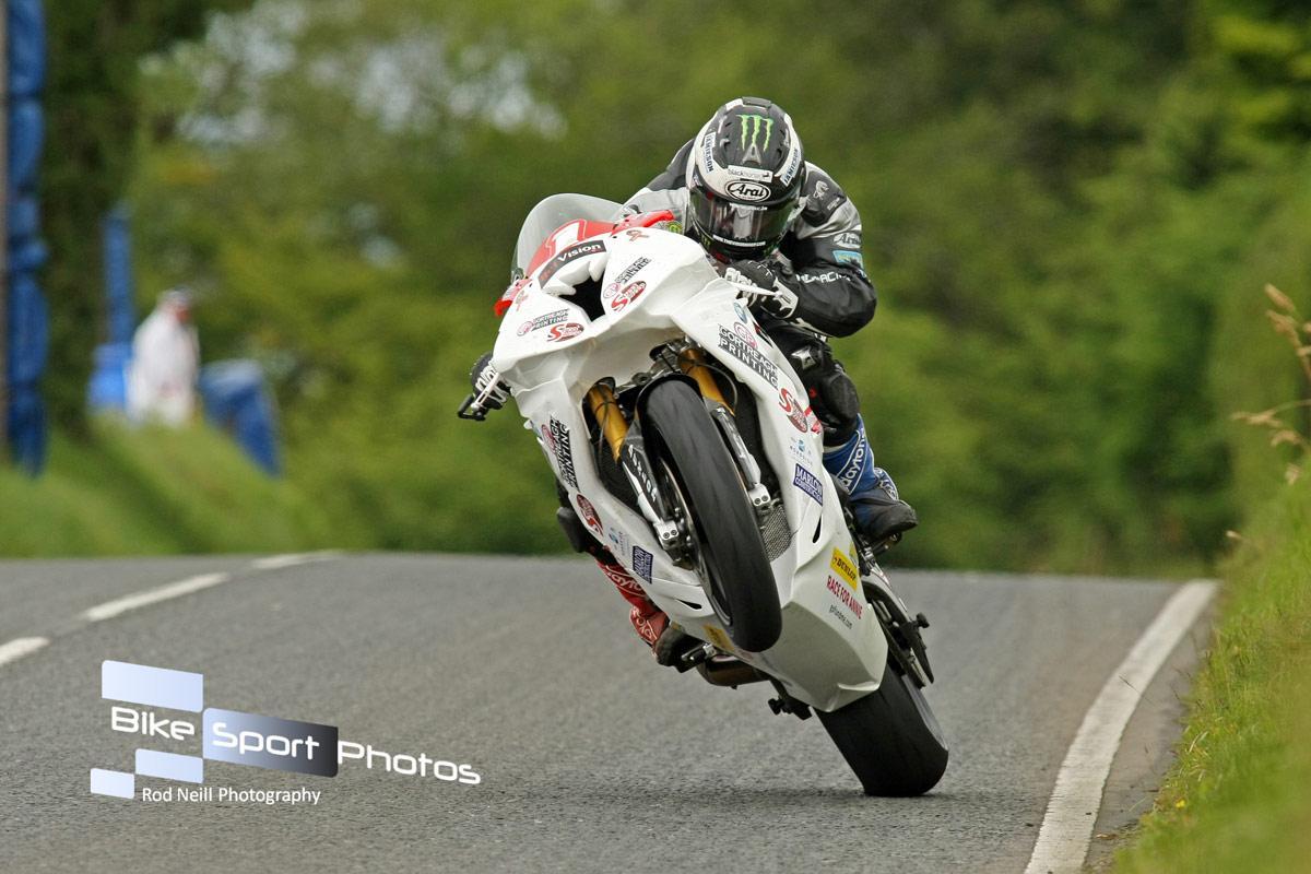 [Road Racing] Ulster GP 2015 CLwnriuWgAAux-A