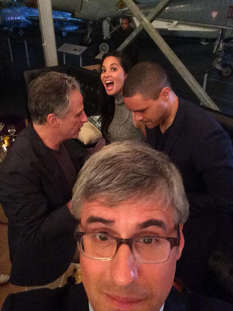 High level negotiation right behind me. @TrevorNoah @OliviaMunn #JonStewart http://t.co/nXKNmyXprM