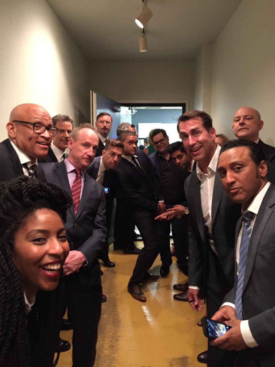 Should've found someone else to take this picture! #TheDailyShow #JonVoyage #CORRESPONDENTS http://t.co/JGHATlhp9X