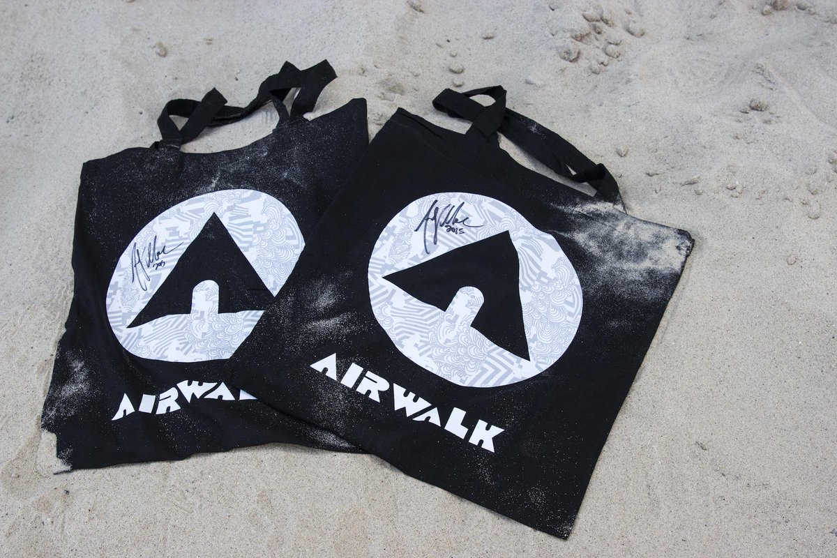 1 week till @DewTour LA w/ @andymacdonald! Retweet for a chance to win a signed tote by the man himself #makeyourmark http://t.co/8dfP3kTmLl