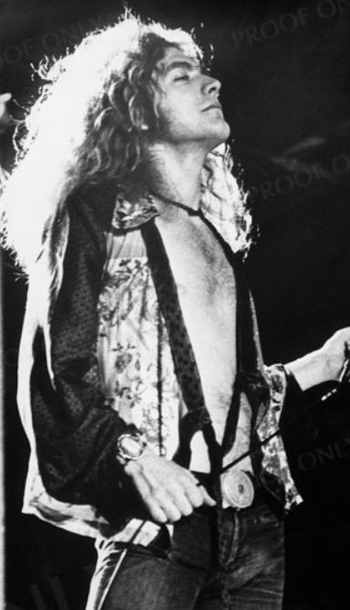 Happy birthday to one of my all time music favourites Mr @RobertPlant 🎉 http://t.co/Sw2Tik6fIL