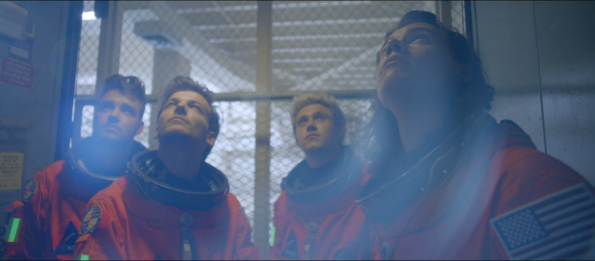 "With @onedirection aboard our #JourneyToMars for @NASA, ""Nobody Can Drag Us Down!"" #DragMeDownMusicVideo #1D http://t.co/d2SgW5vJBE"