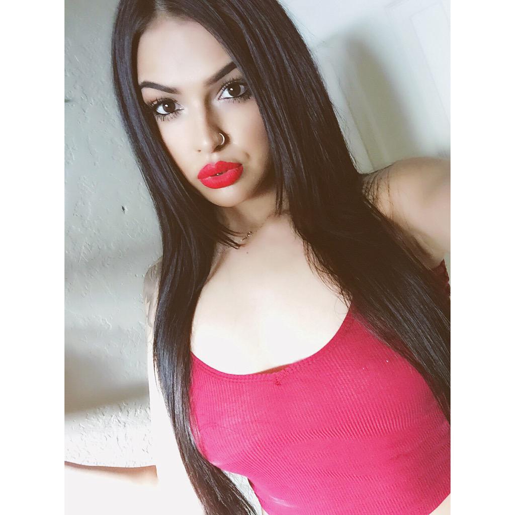 Adilene Idalie  - Hey loves twitter @adileneidalie96