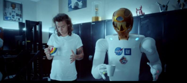 Excited seeing @onedirection with @NASA, #Robonaut & @NASA_Orion in #DragMeDownMusicVideo  http://t.co/14uTDj693Q http://t.co/B2FnVwdo88