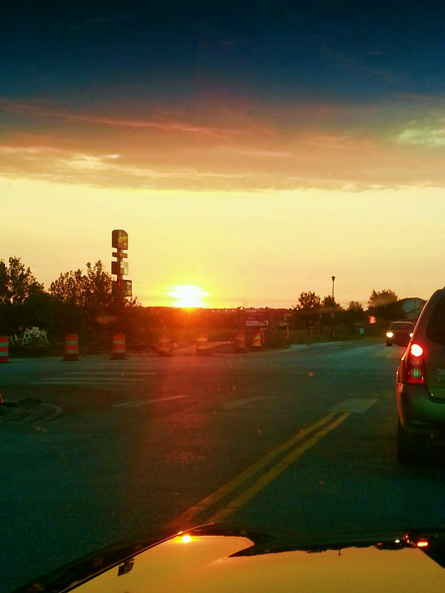 @JPonKX you know it was a #helluvaparty after your show when this is your drive home #sunrise #SwitchBak