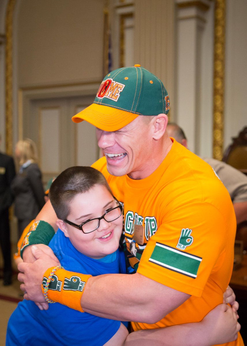 WWE Superstar @JohnCena celebrates his 500th @MakeAWish at the NYSE http://t.co/6DXYLE60Sw