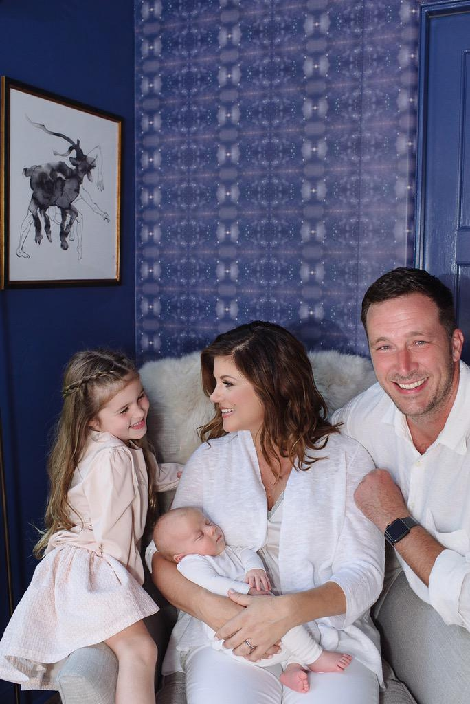 Check out @TiffaniThiessen's nursery pics http://t.co/4UJF9T73Nk and her style tips http://t.co/cSqWgY5meO. #hot mama http://t.co/tsfBwt2Goe