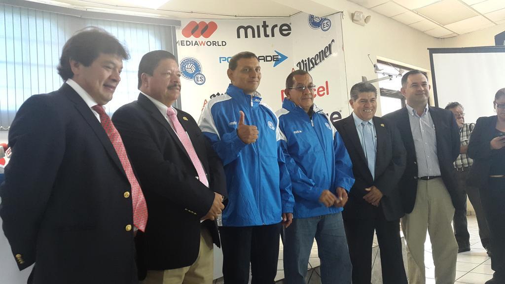 """Jorge """"el zarco"""" Rodriguez es el nuevo tecnion de La Seleccion Nacional. CM8xI-LWcAAQPsU"""