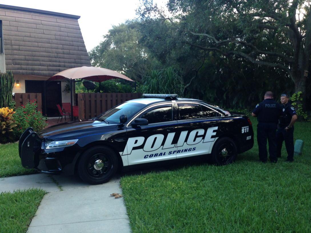 Police investigating suspicious death of Magdalena Weich, 38, Coral Springs, FL CM91QouWEAABCGU