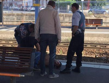 2+ American troops attacked on Paris-bound train