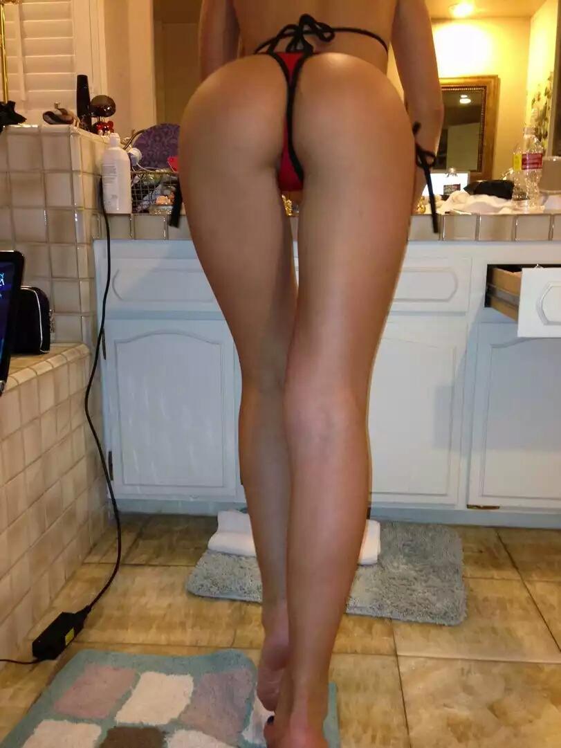 Красивые голые и в стрингах попки частное фото, порно конкурс узнать парня по его члену онлайн