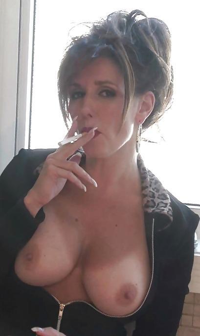 sexy-naked-milfs-smoking-marijuana