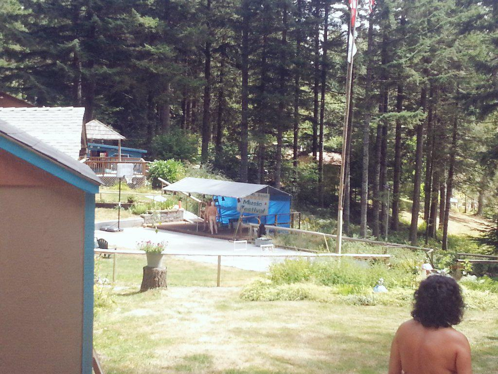 Squaw Mountain Ranch On Twitter The Stage Is Set Think We Re Ready To Go Musicfest Aanr Naturist Aanrwest Lbnudist Boogiecatpdx Mikebranchband Http T Co Yivljszlvs
