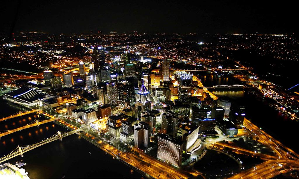 Downtown Pittsburgh skyline as seen from the @dtvblimp. Photo by @WickPhoto http://t.co/Efn1q0ri2R