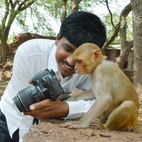என்ன அழகான படம்! இதிலுள்ளவர், எடுத்தவர் ஆரென்று தெரிந்தால் என் சார்பாகப் பாராட்டிவிடுங்கள். http://t.co/uTGFfnQhgA