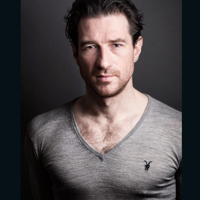 Jonathan Ollivier, 1977-2015 - A Tribute From Matthew Bourne & New Adventures http://t.co/s1xu2rNs1u Pic ©NAdventures http://t.co/c1ZCYy5xAW