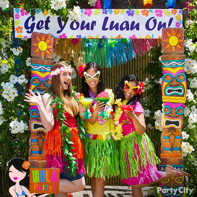 Party City On Twitter Party Tip Set Up A Photo Booth Backdrop For
