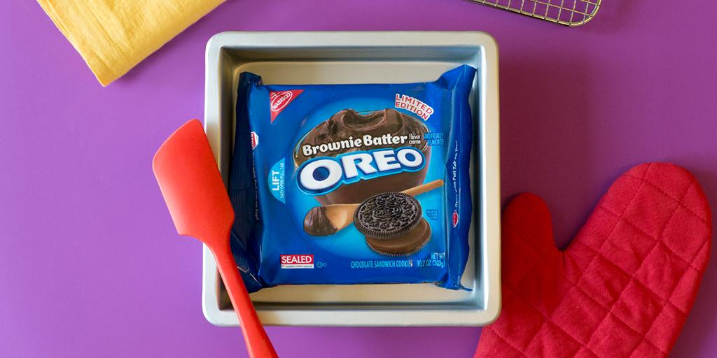 Guess our secret's out of the mixing bowl. Introducing new #BrownieBatter flavored #Oreo cookies, in stores now! http://t.co/SfDj1wOCcc