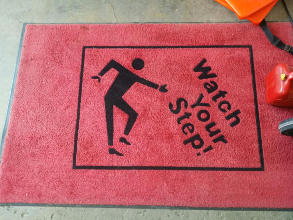 If you look at this rug sideways the man is doing a song and dance about the dangers of a step. http://t.co/XEgm03A1pM