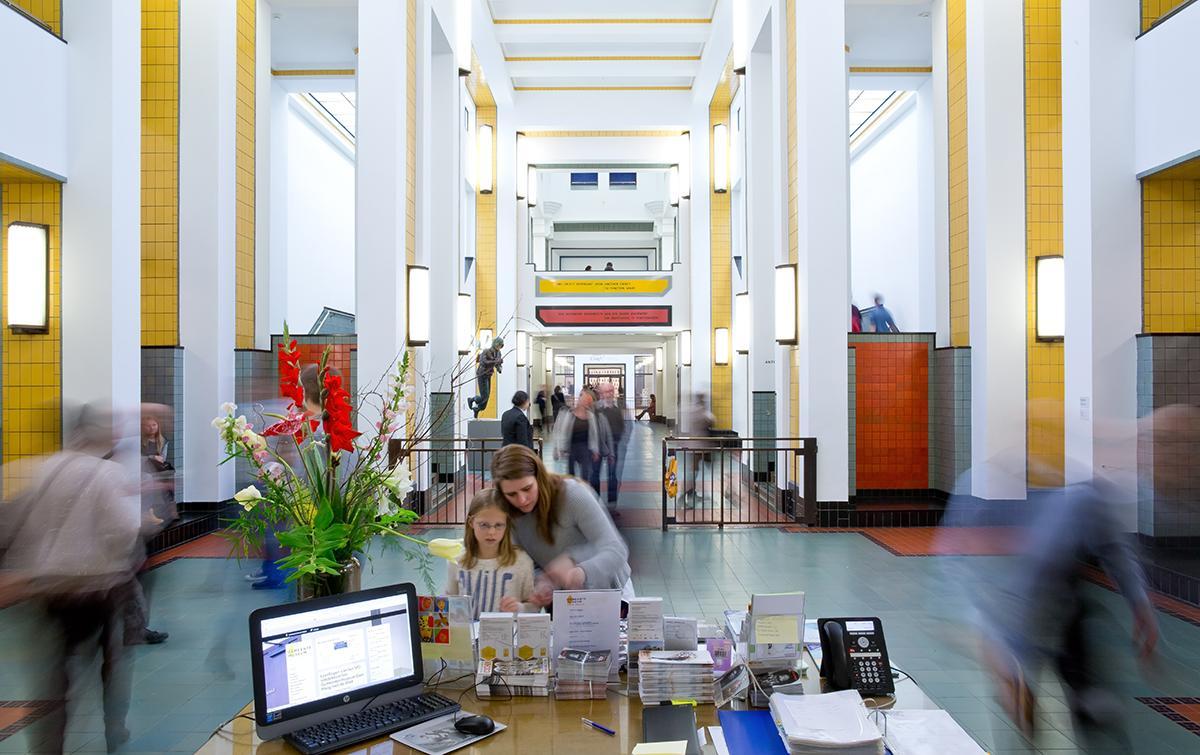 Het Gemeentemuseum #DenHaag heeft een toffe #vacature voor een eventmanager > http://t.co/g9xcQlevKo http://t.co/je07ys8dL5
